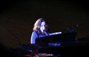 Singer-Songwriter Jeanne Marie Boes