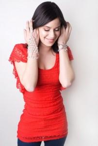Singer-Songwriter Omnia